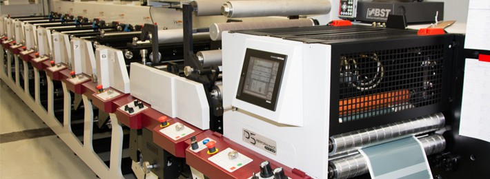 Römer Etikett invests in state of the art Print- and Control Technology